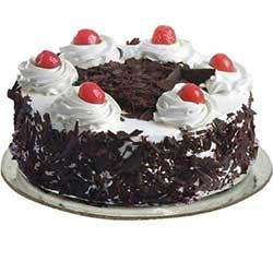 black-forest-cake-in-round