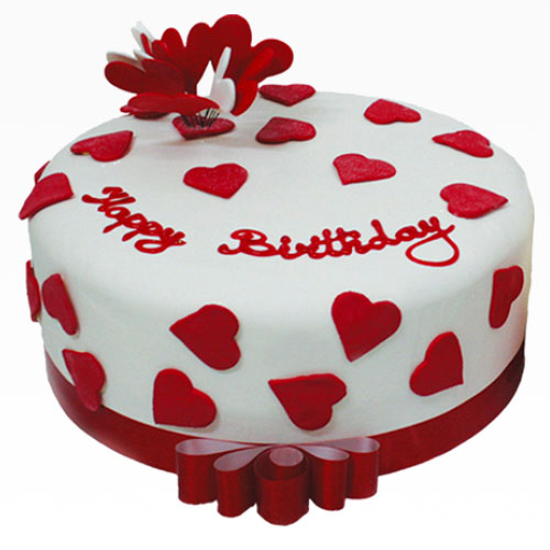 delectable-red-heart-round-cake