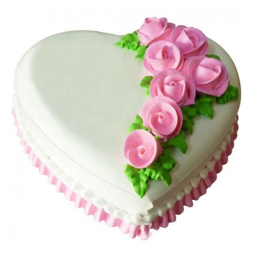 pineapple-with-rose-heart-shape-cake